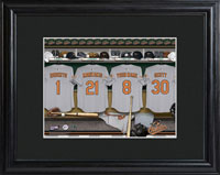 MLB Clubhouse Print w/Wood Frame - Orioles